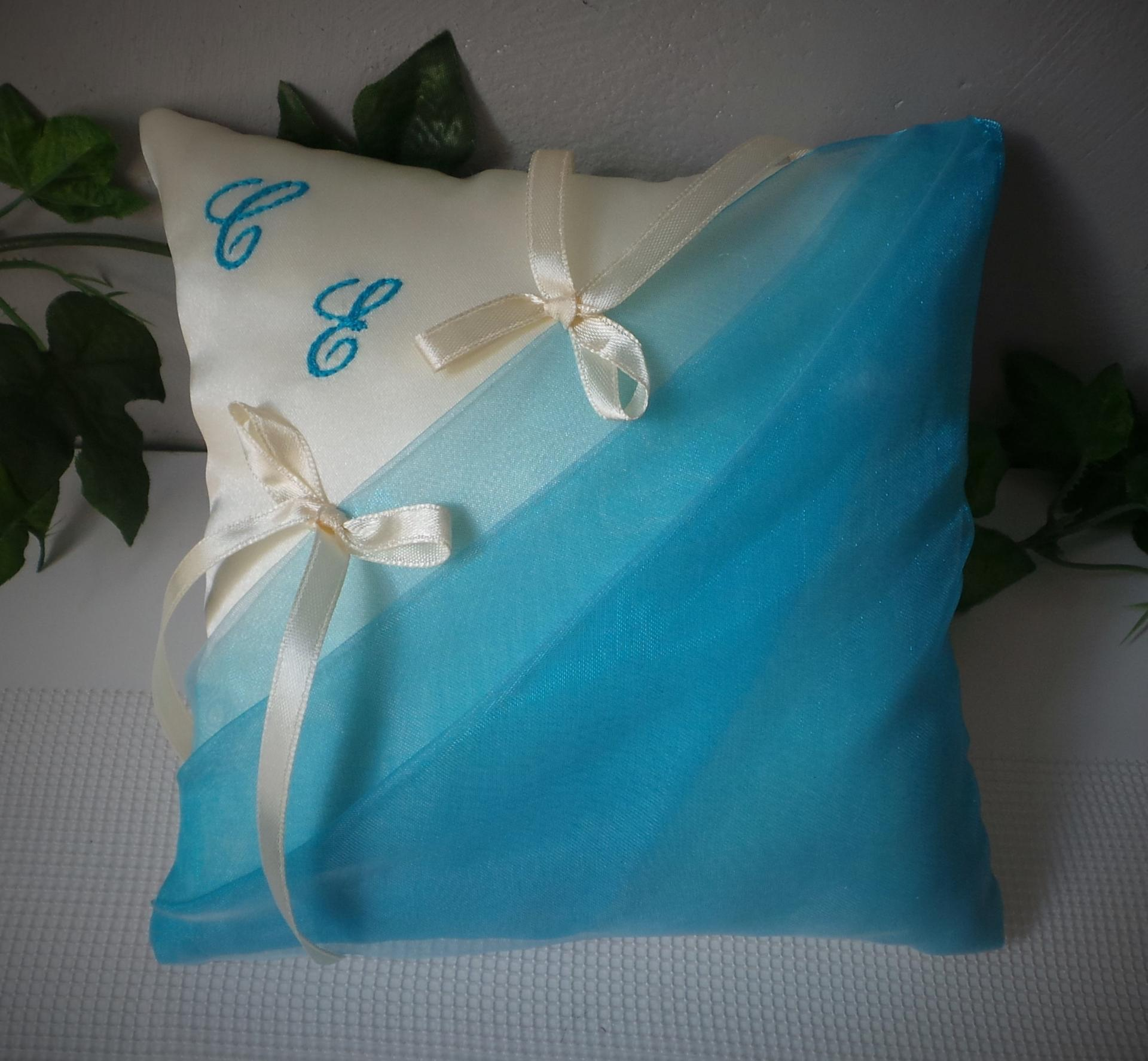Coussin mariage chic turquoise ivoire