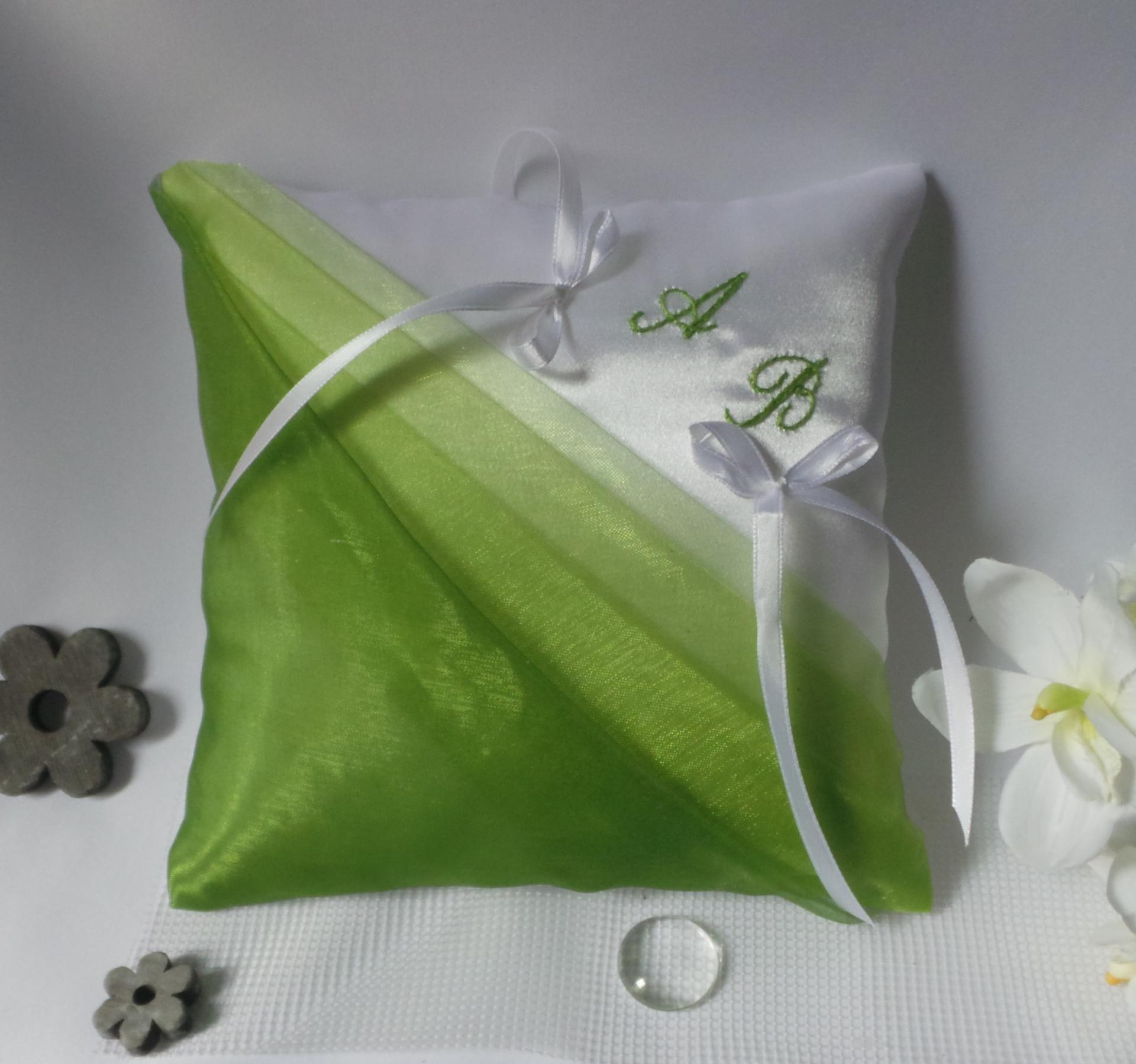 Coussin mariage chic vert anis degrade