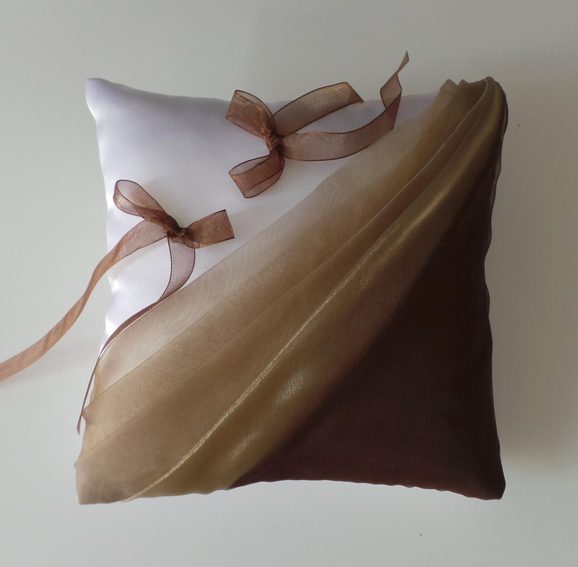 Coussin mariage chocolat beige