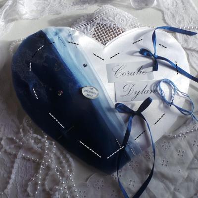 Coussin mariage coeur bleu marine ciel personnalise