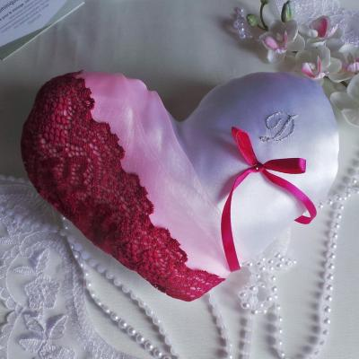 Coussin mariage coeur fuchsia et rose