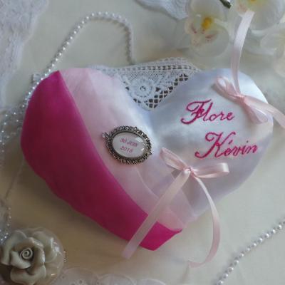 Coussin alliance coeur rose pale fuchsia personnalise fait main