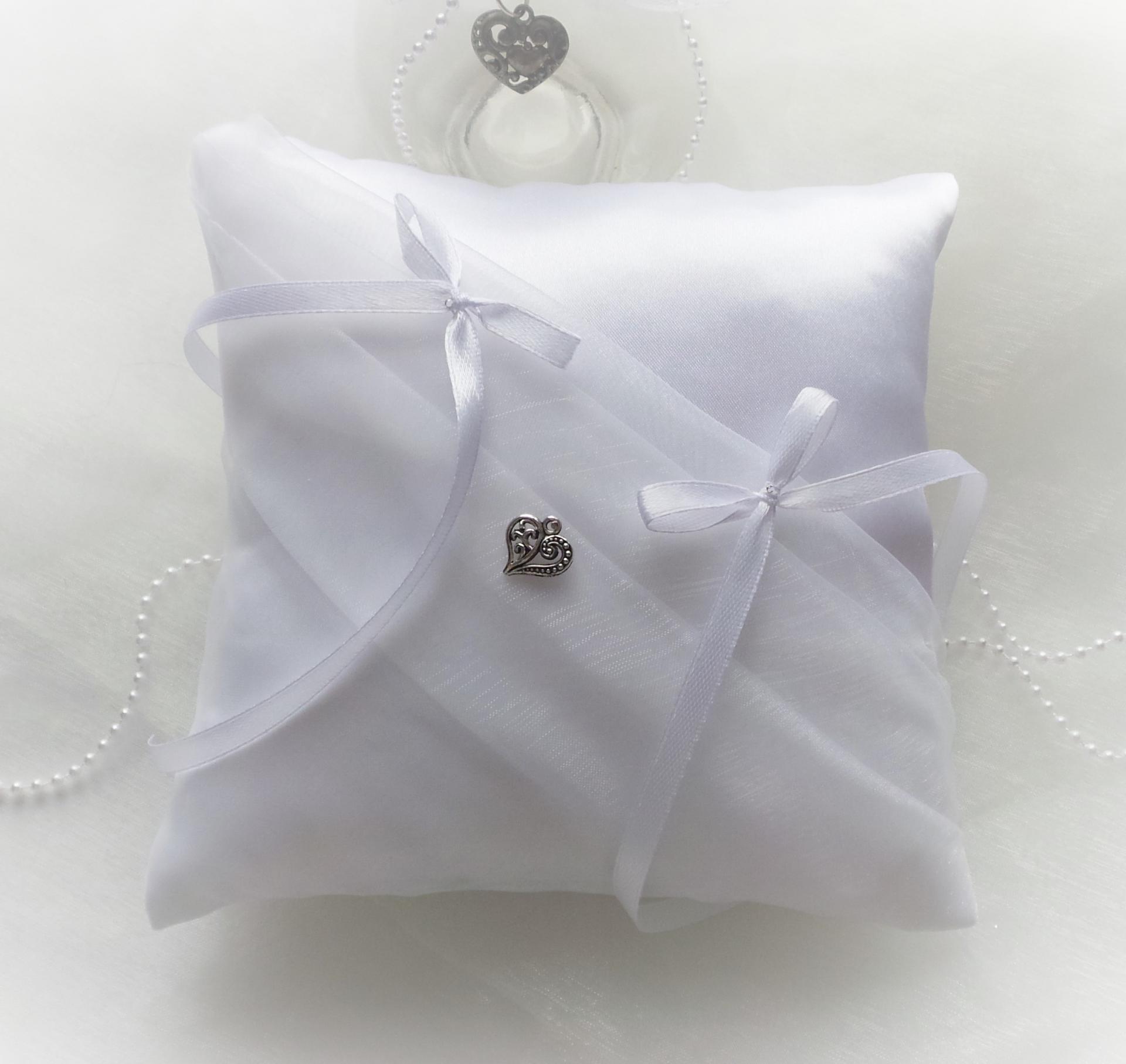 Coussin mariage drape blanc 1 1