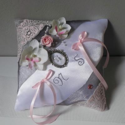 Coussin mariage gris argent rose pastel