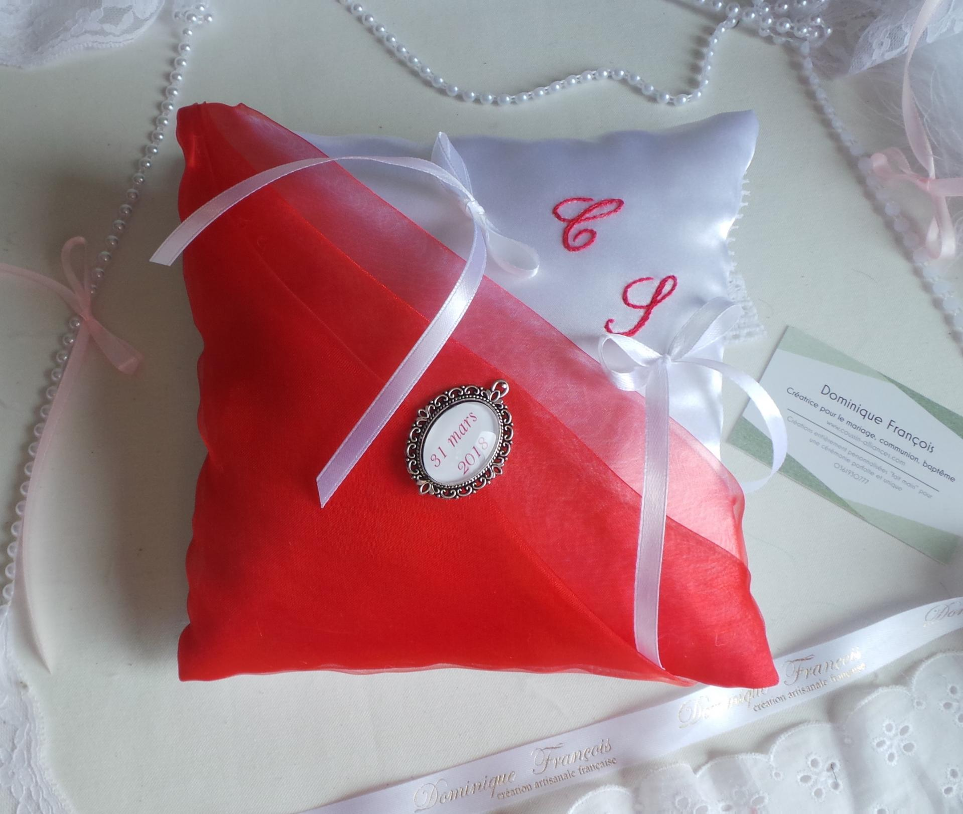 Coussin mariage rouge blanc 3