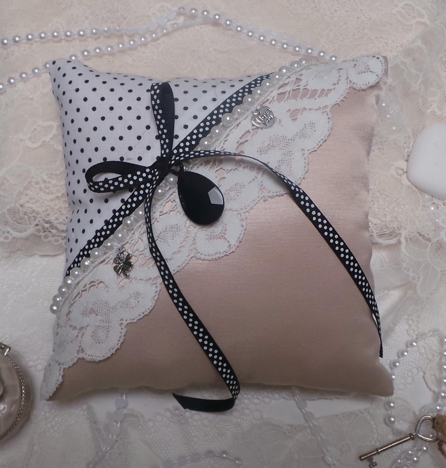 Coussin mariage vieux rose noir boudoir romantique vintage 1 2
