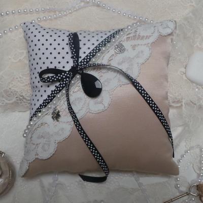 Coussin mariage vieux rose noir boudoir romantique vintage 1