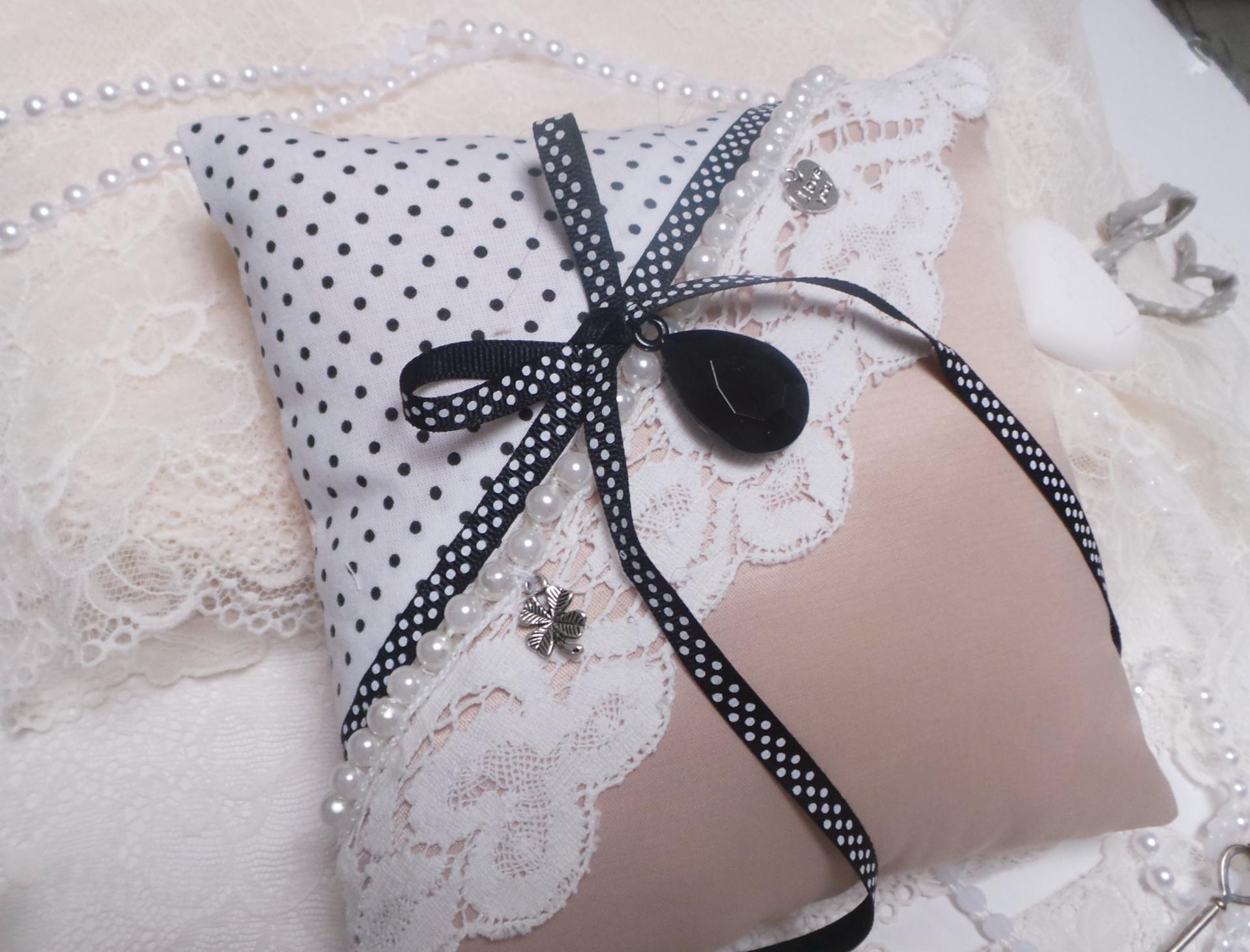 Coussin mariage vieux rose noir boudoir romantique vintage 2
