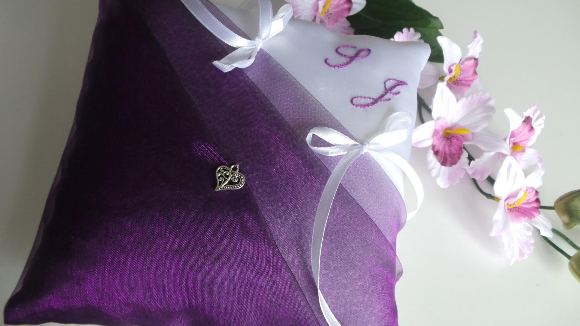 Coussin mariage violet 3
