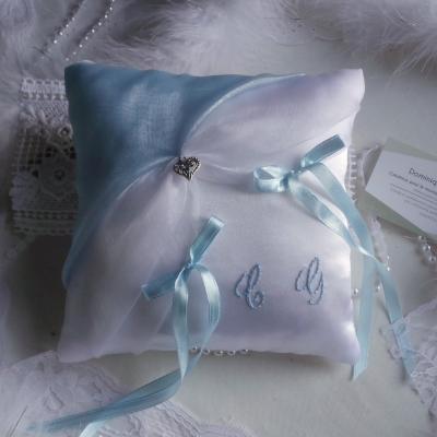 Decoration mariage bleu ciel blanc ou ivoire